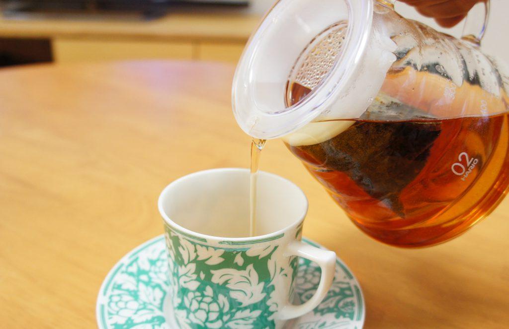 古都の天然水 紅茶